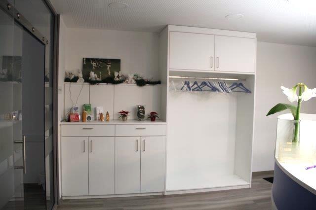praxis sideboard garderobe dein schreiner. Black Bedroom Furniture Sets. Home Design Ideas