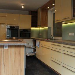 Küche mit speziellem Lichtkonzept