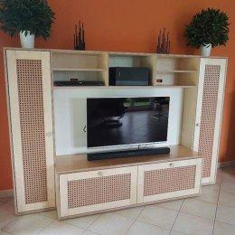 TV-Möbel in Birke Multiplex, bestehend aus 3 Elementen, die nicht miteinander verbunden sind